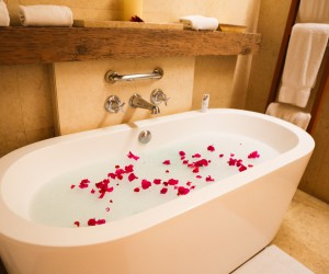 romantic-bubble-bath-awesome