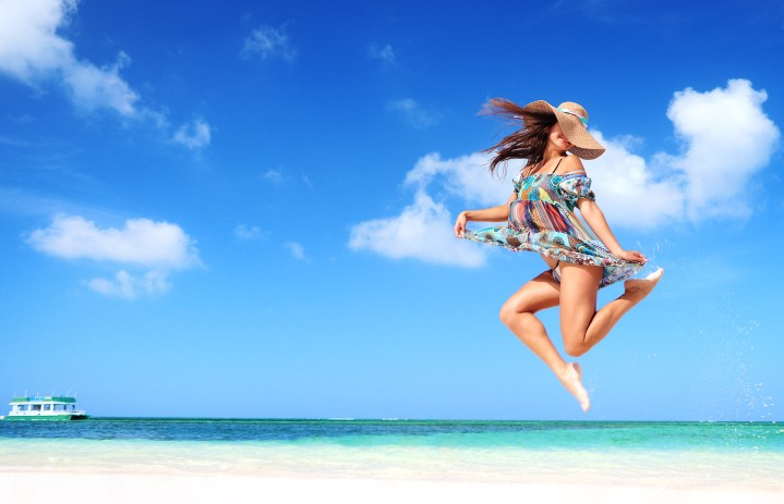 Picture-1-Girl-Jumping-in-Air-on-Beach-e1371647694668