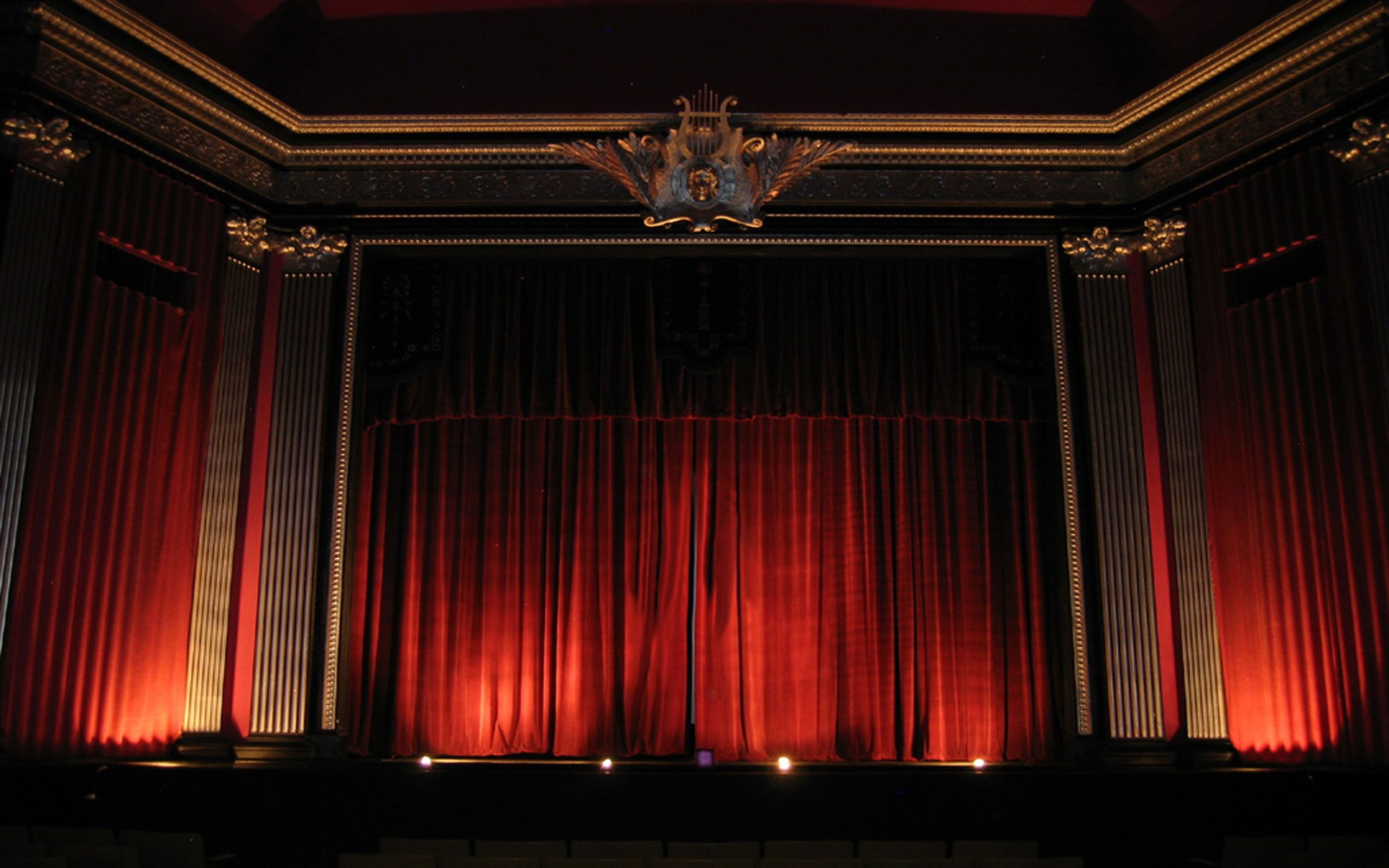 red curtains theatre - photo #17