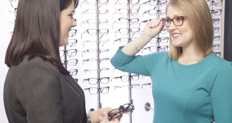 Fitting spectacles at a Mellins-Zeiss Vision Centre