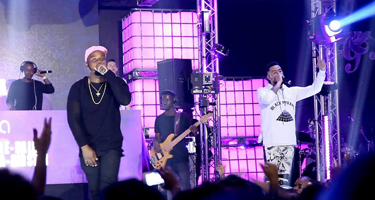 LAYLIZZY AND AKA PERFORM #HELLOLAYLIZZY AT THE SUPA MEGA SHOW