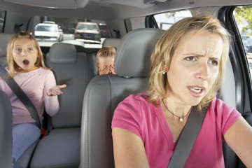 VALUABLE TIPS FOR MUMS DRIVING ALONE WITH KIDS