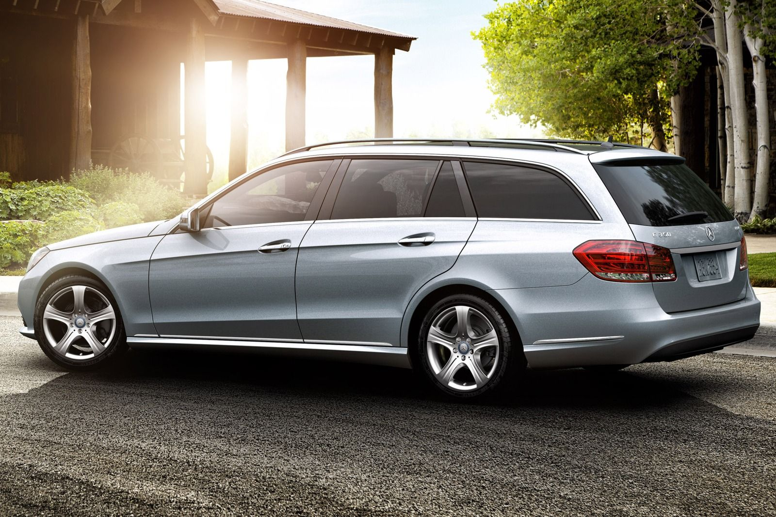 Five supermum cars to spoil mom this mother 39 s day for Mercedes benz e350 wagon