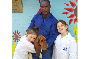 GRADE 2 KING DAVID LINKSFIELD GIRLS RAISE MONEY FOR THE SPCA WITH A GOLD REEF CITY PRIZE