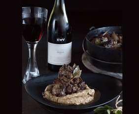 RED WINE AND BAY LEAF OXTAIL WITH VANILLA BEAN MASH