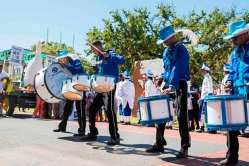 STELLENBOSCH HARVEST PARADE BRINGS FANFARE TO CITY OF OAKS