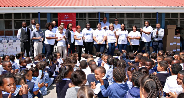 GRANDWEST HANDS OVER 240 SCHOOL STATIONERY BOXES TO LEARNERS IN MANENBERG