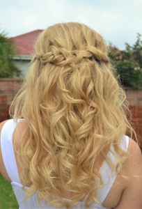 BRAIDS, BUNS, TWIRLS AND SWIRLS... THIS IS WHAT MATRIC DANCE HAIR SHOULD BE MADE OF IN 2017