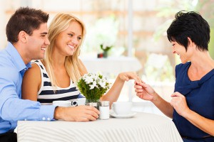 HOW TO MIND YOUR MANNERS WHEN MEETING THE IN-LAWS