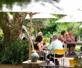 Delheim_Garden_Restaurant_HR_1_750_422_70