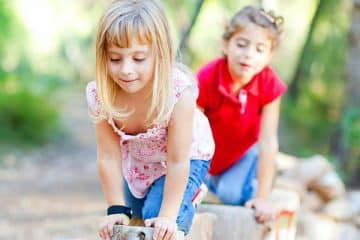 HOW TO KEEP THE KIDS BUSY DURING THE SCHOOL HOLIDAYS