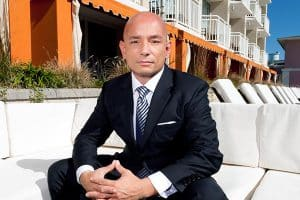 ANTHONY MELCHIORRI - TV HOST AND TRAVEL EXPERT