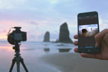 POINT AND SHOOT: HOW A SMARTPHONE WITH BUILT-IN ARTIFICIAL INTELLIGENCE CAN MAKE YOU A PRO PHOTOGRAPHER