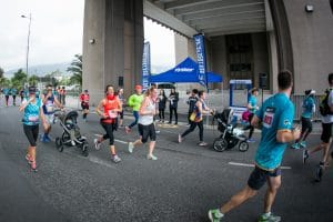 RUNNERS ENABLE DIE BURGER KINDERFONDS TO ENRICH LIVE AT THE FNB CAPE TOWN 12 ONERUN