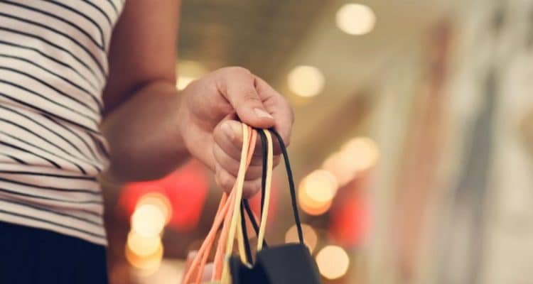 THE SAVVY SHOPPERS' GUIDE TO MAKING THE MOST OF A SALE