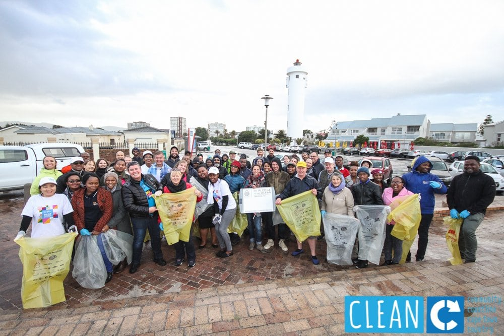 PLASTICS INDUSTRY TACKLES WASTE IN THE ENVIRONMENT  WITH ANNUAL CLEAN-UP AND RECYCLE SA WEEK