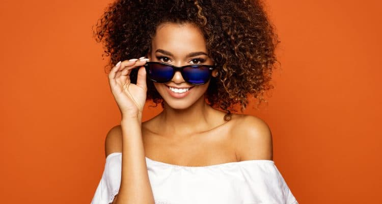 DON'T SKIP SUNGLASSES WHEN WEARING CONTACT LENSES
