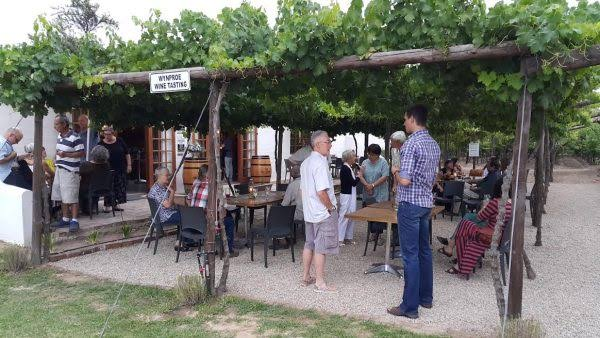 FRUIT PICKINGS, WINE TASTING AND LEISURELY LUNCHES AT DE KRANS THIS SUMMER