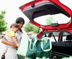 WET WIPES, A CHANGE OF CLOTHES AND TIPS FOR MOMS ON THE MOVE