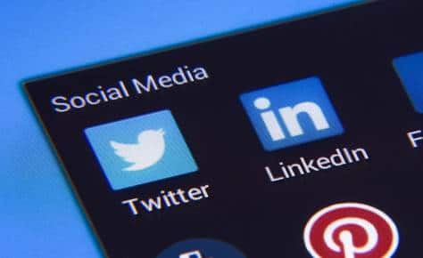 COVID-19 DOESN'T CHANGE TOP CEOS' SOCIAL MEDIA HABITS