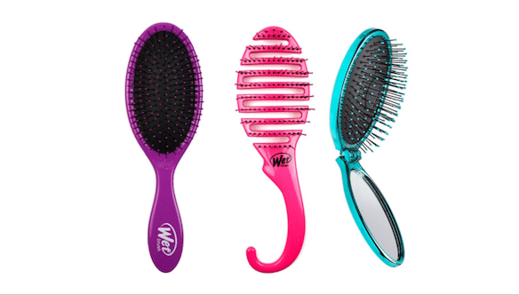 GIFT BOTH YOURSELF AND YOUR LOVED ONES WITH HEALTHY TRESSES THIS HOLIDAY