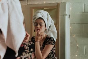 3 BEAUTY SECRETS TO GET YOUR SKIN GLOWING FOR DATE NIGHT