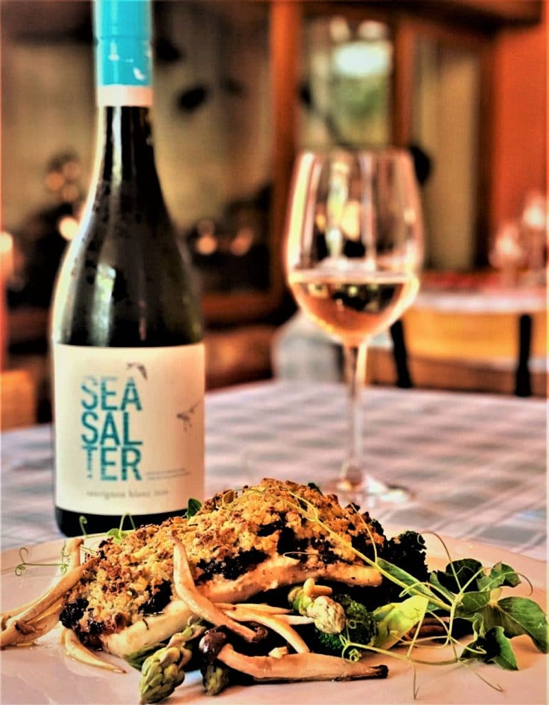 DEVISES A SPECIAL SEAFOOD DISH TO PERFECTLY COMPLEMENT THE GROOTE POST SEASALTER