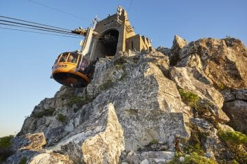 HOW TO ENJOY TABLE MOUNTAIN SAFELY