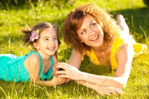 mother-and-daughter-in-the-park