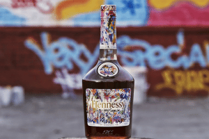 HENNESSY ENLISTS FAMED ARTIST JONONE TO SPLASH OUT ON THE HENNESSY VERY SPECIAL LIMITED EDITION