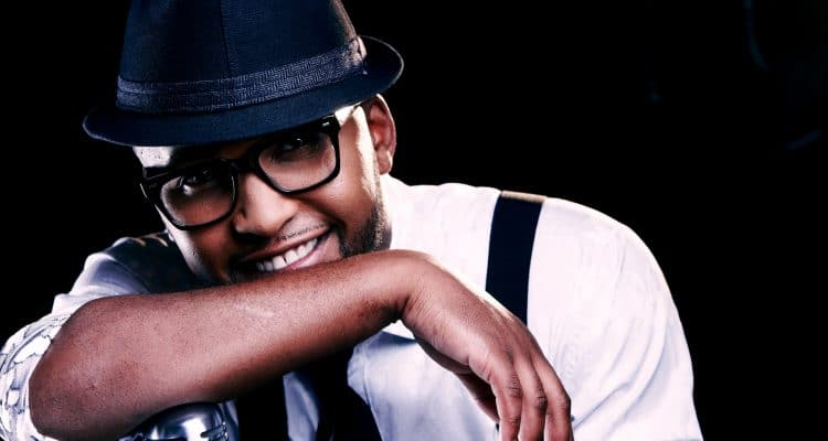 BASSLINE LIVE PRESENTS AN INTIMATE NIGHT WITH VUSI NOVA