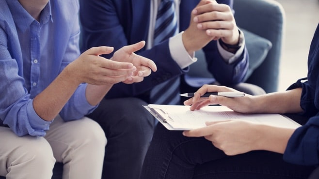 FOUR REASONS TO CONSULT A PROFESSIONAL FINANCIAL ADVISOR