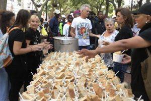 LADLES OF LOVE TAKES FESTIVE SPIRIT TO SCHOOL KIDS IN GAUTENG