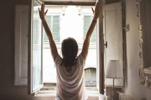 MAINTAINING A POSITIVE MINDSET IS KEY TO STAYING WELL IN LOCKDOWN