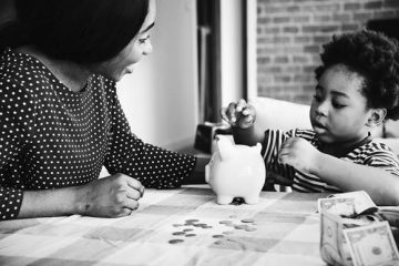 SHAPING YOUR CHILDREN'S ATTITUDE TO MONEY