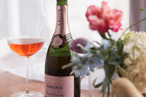 TOAST YOUR MUM ON MOTHER'S DAY WITH THE MAGIC OF KRONE VINTAGE-ONLY ROSÉ CAP CLASSIQUE